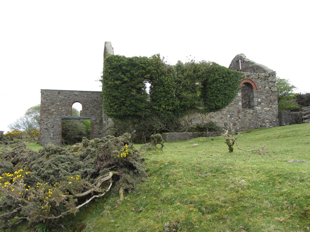 Image showing a derelict mine building in Cornwall