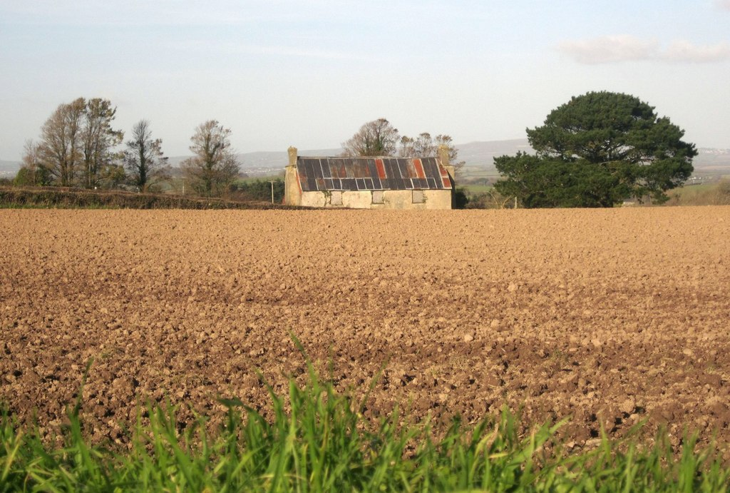 Image showing a derelict property for sale in Cornwall